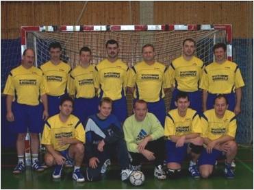 Momentan spielt die Herrenmannschaft in keiner Liga und trainiert als Alte Herrn Mannschaft Trainingszeiten der Handball - Herrenmannschaft (Alte Herren) ist mittwochs von 18:30 bis 20:00 Uhr in der Turnhalle in Oberbieber